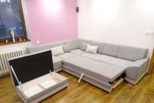 Sivá sedačka s roztahovaním +taburetka